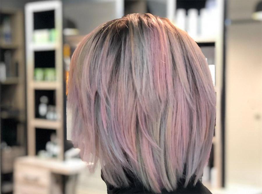 le style de cheveux unicorn ou licorne