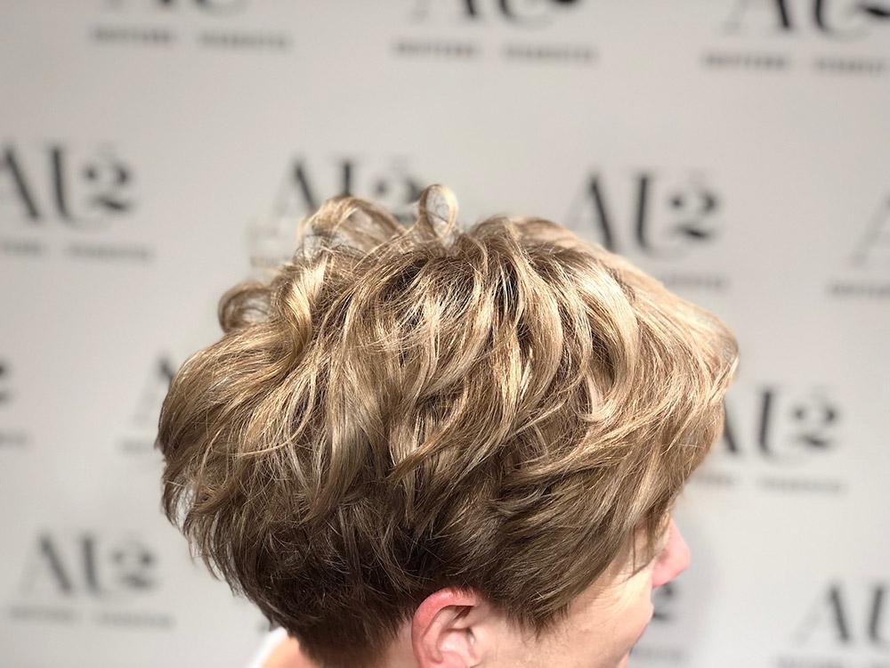 premiers cheveux blancs
