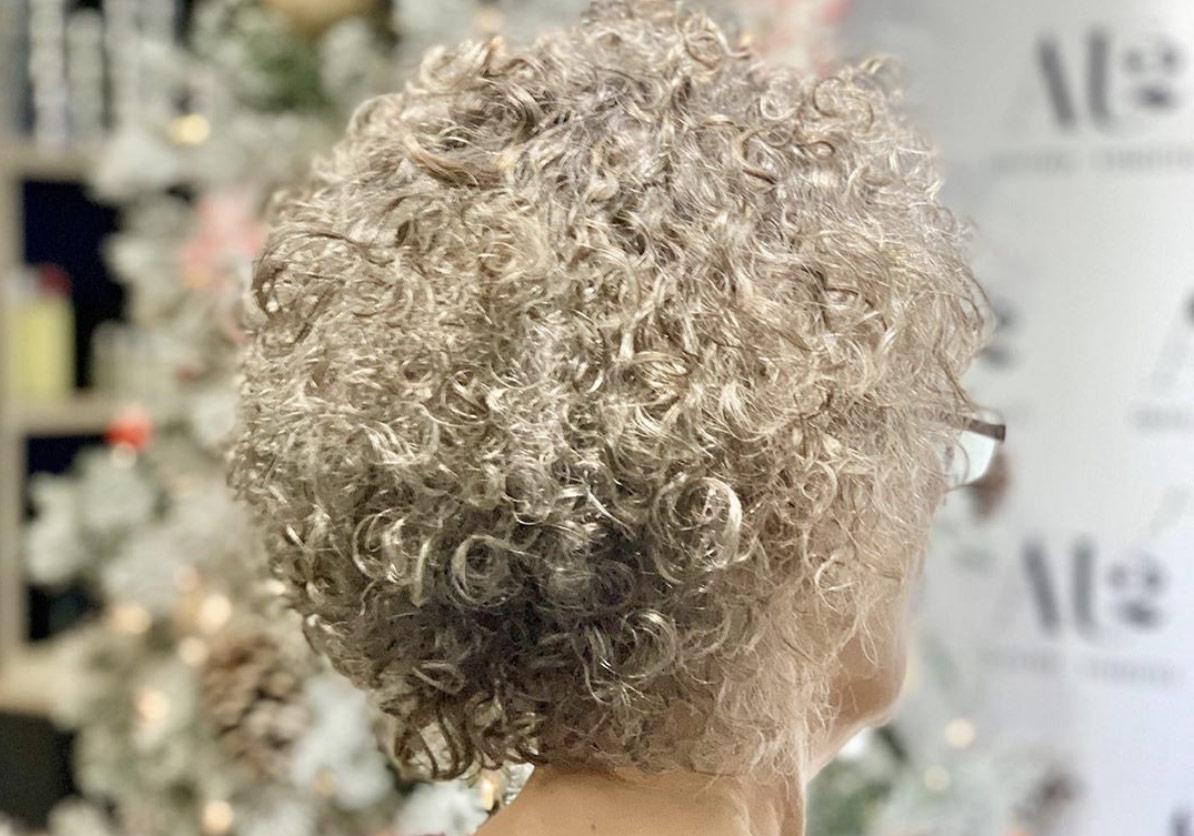 coupe pour les cheveux frisés